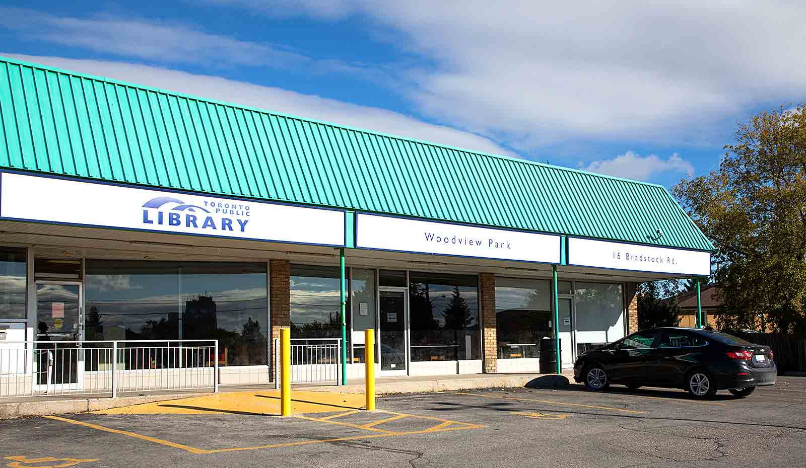 Woodview Park Library Exterior